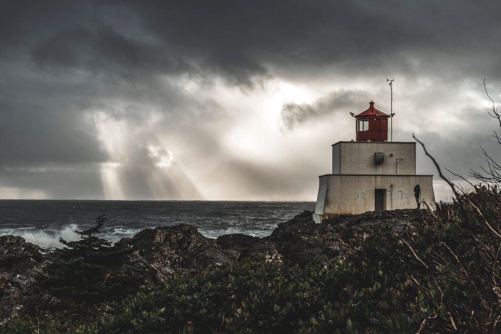 Dürre von Wind und Regen an Portugals Küste gefolgt Ende Februar 2018