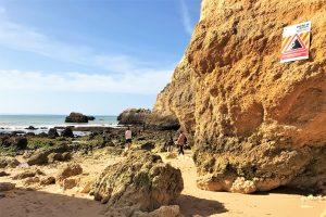 Algarve News zu Felsabbrüchen in Algarve-Klippen