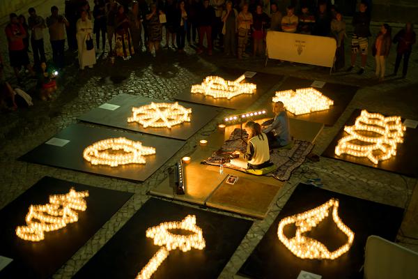 Algarve-Sommer mit Markt der Kulturen bei Kerzenlicht in Lagoa an der Algarve