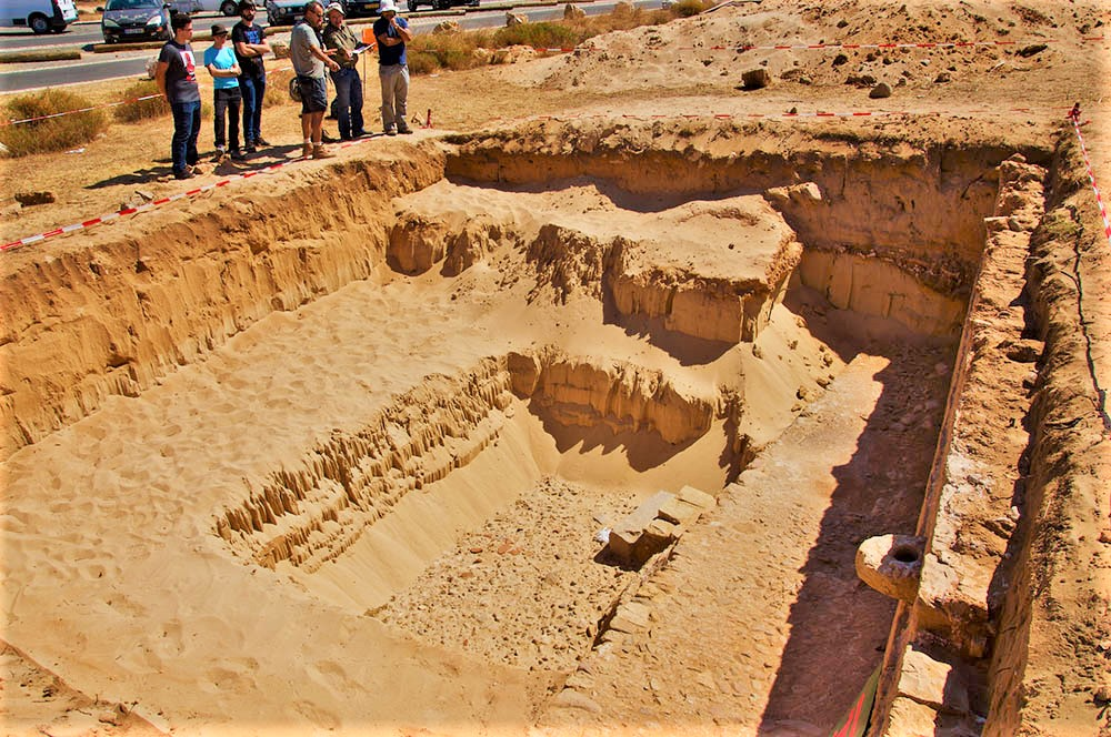Algarve News über ausgegrabenen römischen Hafen in Boca do Rio bei Vila do Bispo an der Algarve