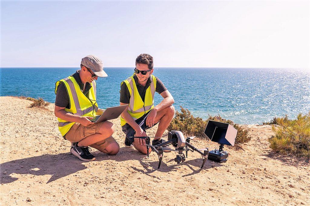 Drohnenflüge über die Algarve per Live-Stream bot das Unternehmen Aerostream mit Algarvetourism an
