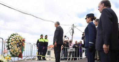Karfreitag besucht Portugals Präsident den Ort des Busunglücks auf der Insel Madeira