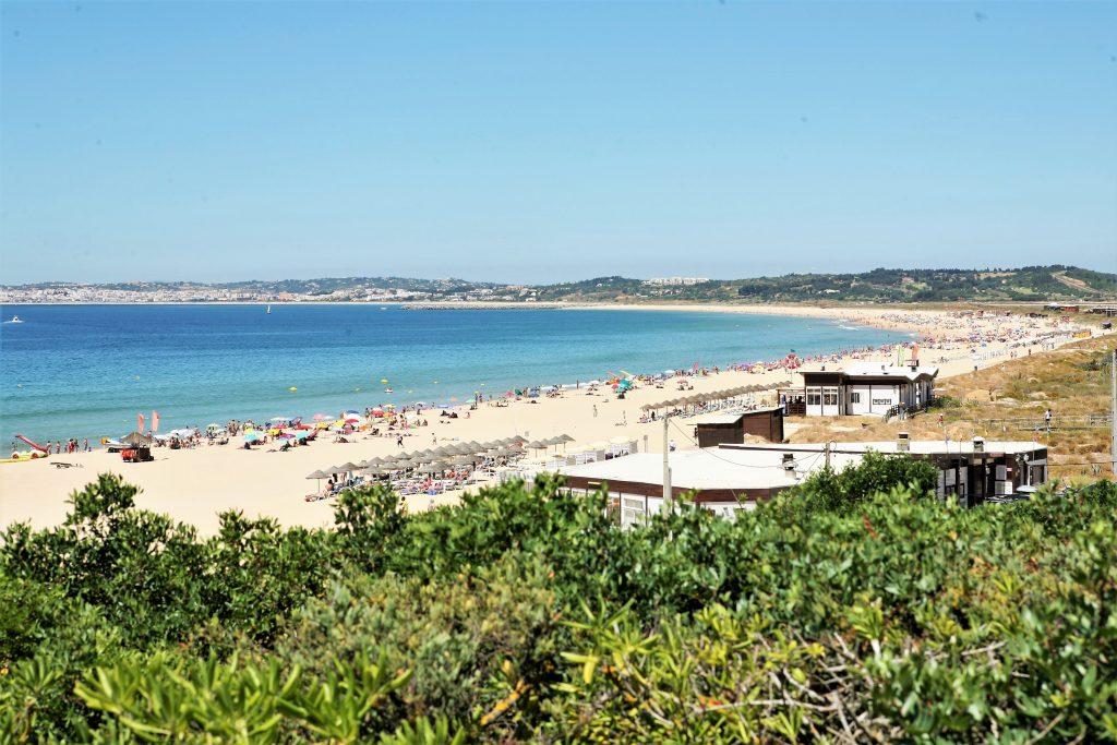 Dünenarbeiten im Sommer bei Alvor an der Algarve ausgesetzt