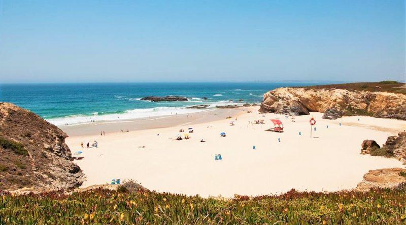 Alentejo-Küste besticht durch weiße, lange Sandstrände wie in Porto Covo