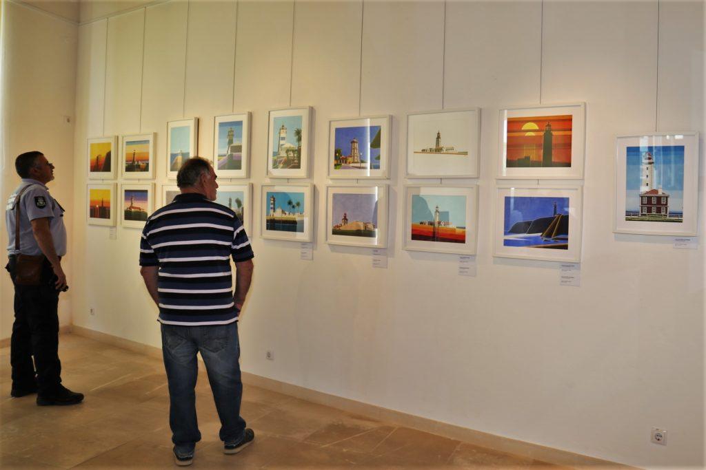 Algarve News über Leuchtturm-Gemäldeausstellung in Vila do Bispo