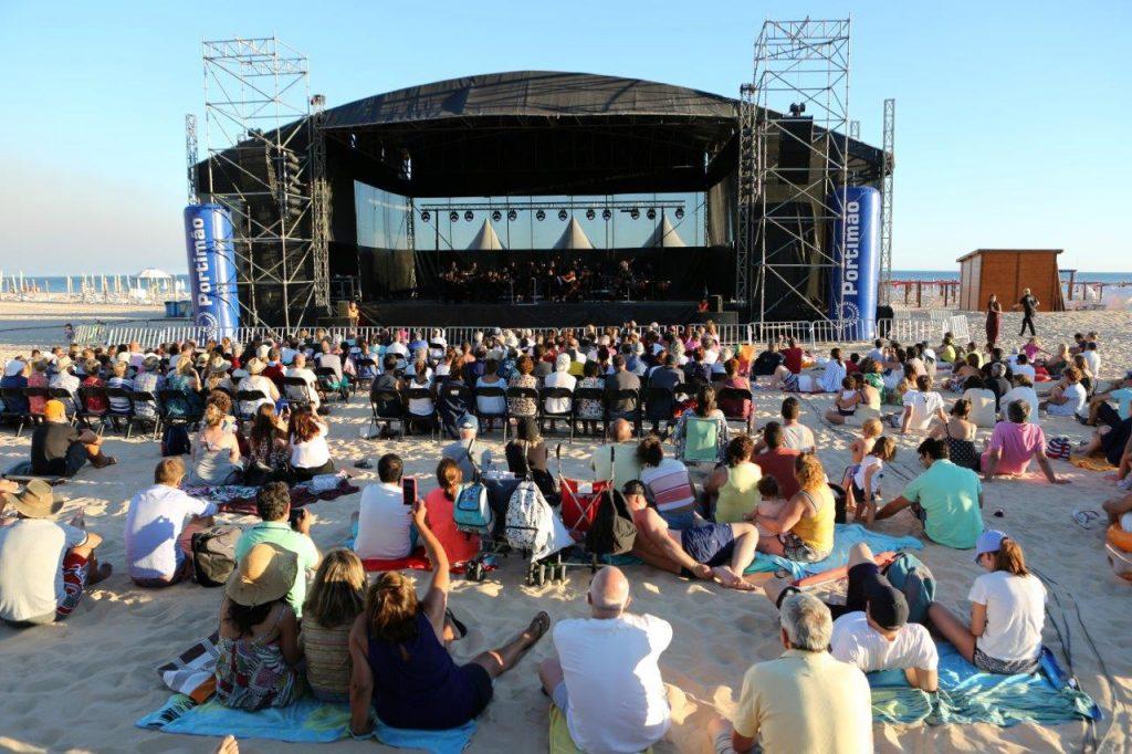 Algarve News über Gratis-Konzerte am Strand von Praia da Rocha in Portimao