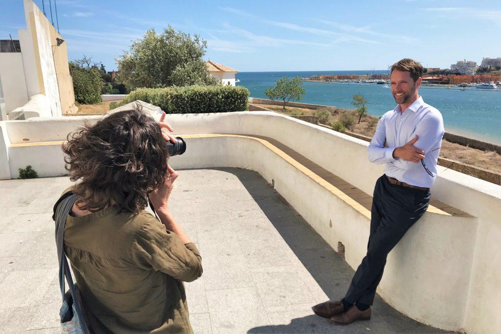 Liebeskomödie des ZDF-Herzkino mit Schauspieler Matthias Schloo in Ferragudo an der Algarve