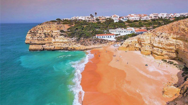 Qualität von Algarve-Stränden von diversen Organisationen bewertet