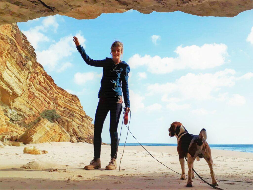 Julia W. führte als Klettererin in den Algarve-Felsen oft den Hund von Tybo G. an der Leine