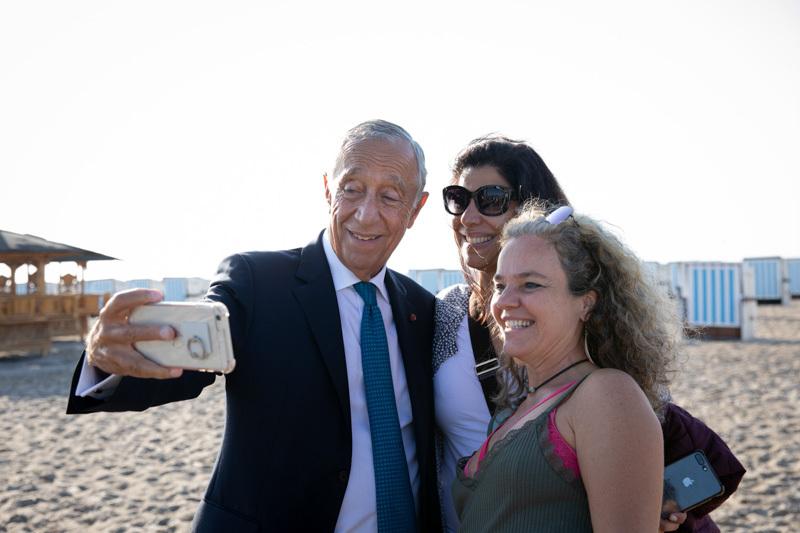 Marcelo Rebelo de Sousa mag Selfies mit Bürgerinnen und Bürgern