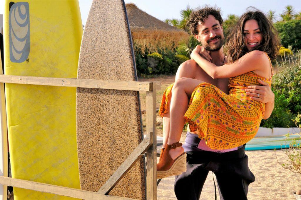 Sommerkomödie des ZDF hält Liebes-Verwicklungen im Surfer-Milieu der Algarve bereit