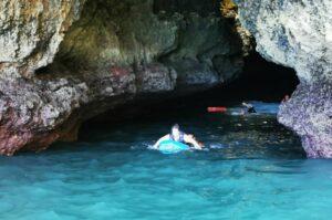 Algarve News über Rettung von Bootspassagieren aus Grotte bei Carvoeiro