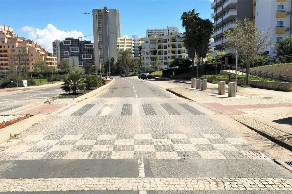 Covid-19 Notstand in Portimao Straßen menschenleer