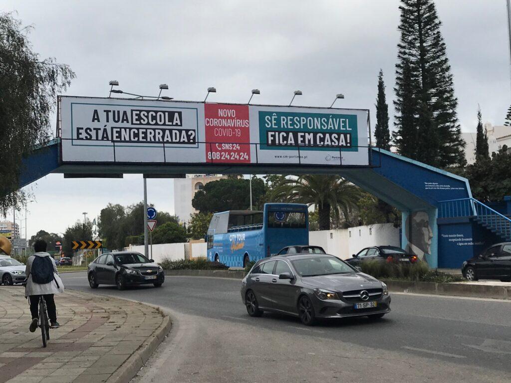 Covid-19 Pandemie führt zu Appellen an die Bevölkerung von Portimao an der Algarve