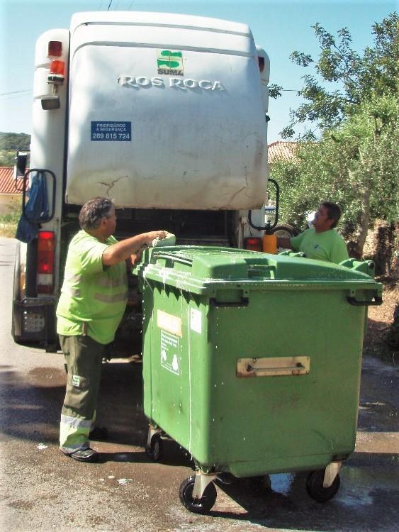 Corona-Krise erfordert Hygiene an den Müllcontainern der Algarve